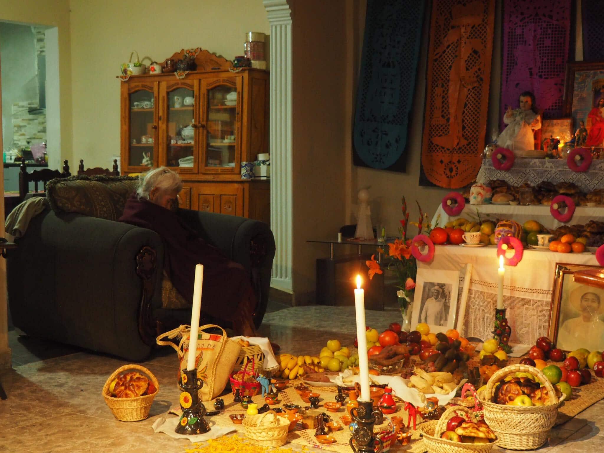 autel décoré dia de los muertos au mexique