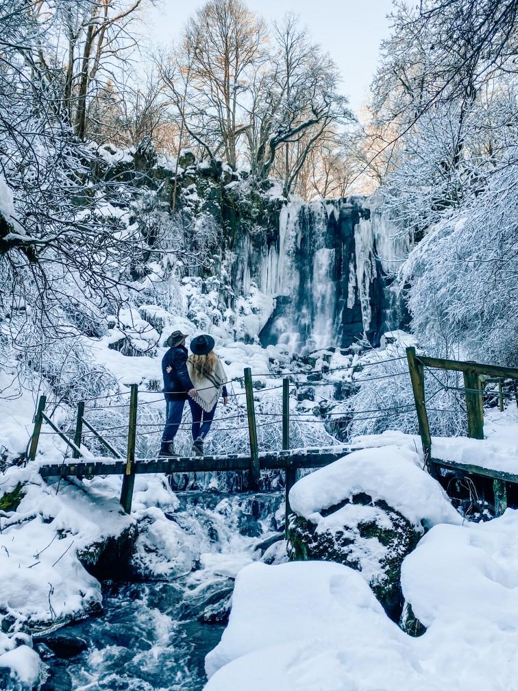cascade de vaucoux ou d'anglard balades neige glace auvergne